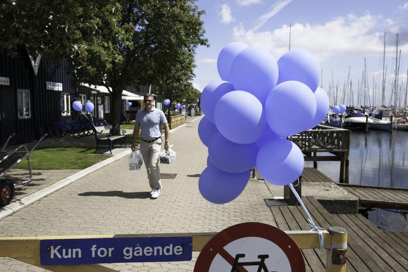 Blå Flag – Fang og smag – Velkommen på Havnen - image Blaa_balloner on https://www.vildmedvand.dk