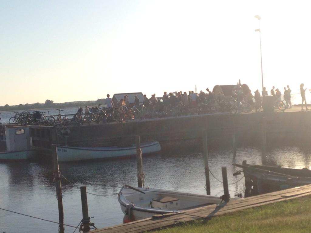Sejltur med lille motorbåd 1