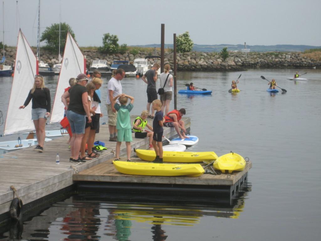 Prøv Stand-up-paddle, robåde eller sejljoller 1